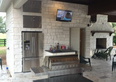 Custom cabana with full outdoor kitchen, fire place in Houston