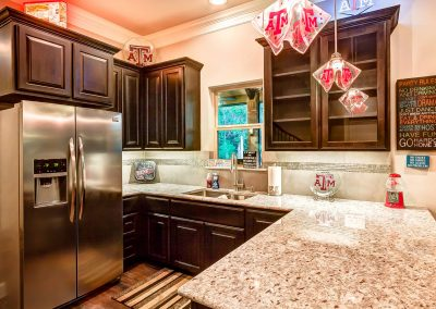 Creekstone Outdoor Living - Pool House Kitchen