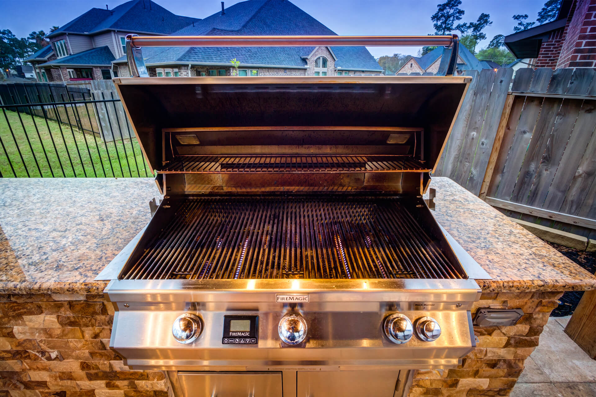 built_in_grill_outdoor_kitchen_spring_texas