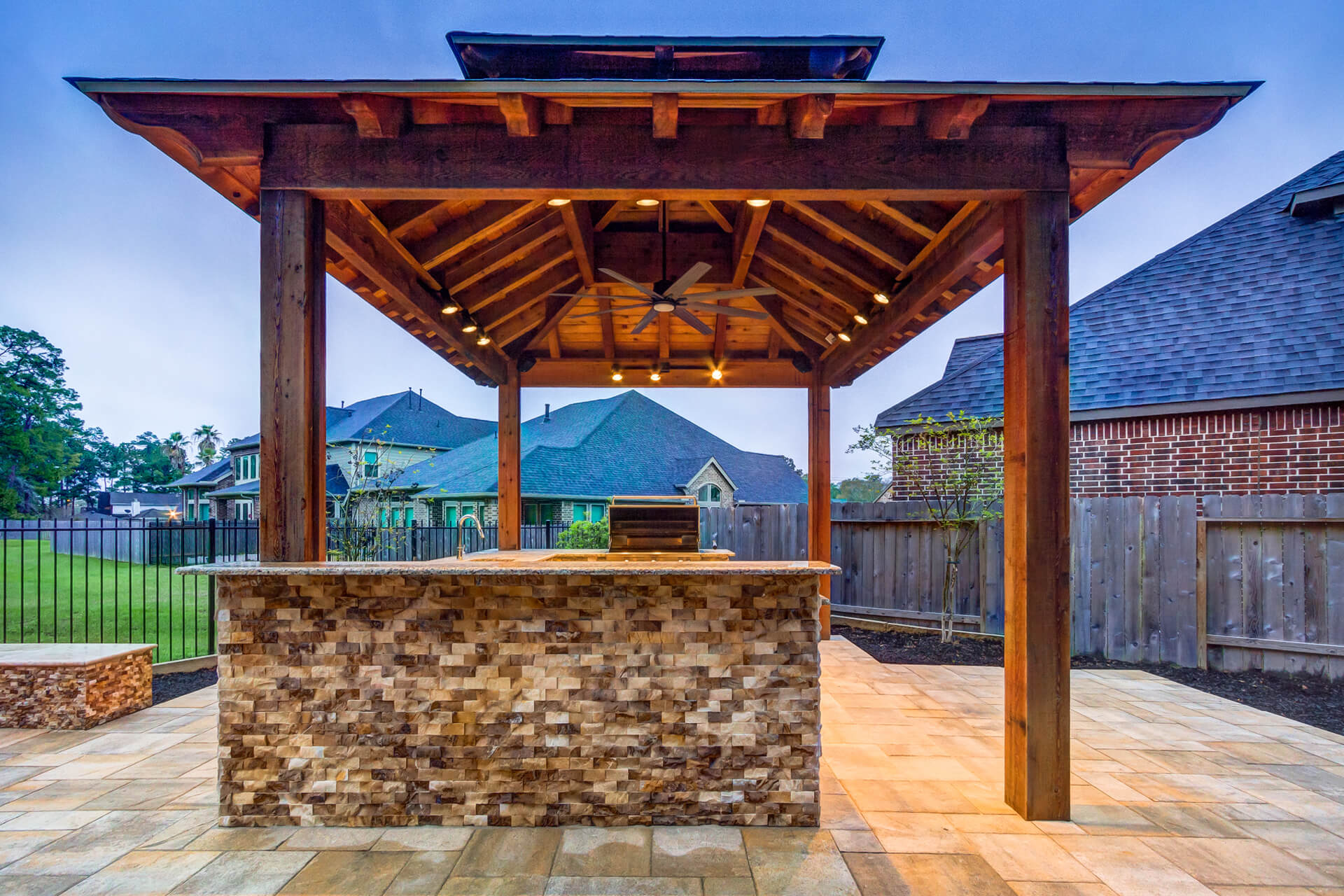 pergola_and_custom_outdoor_kitchen
