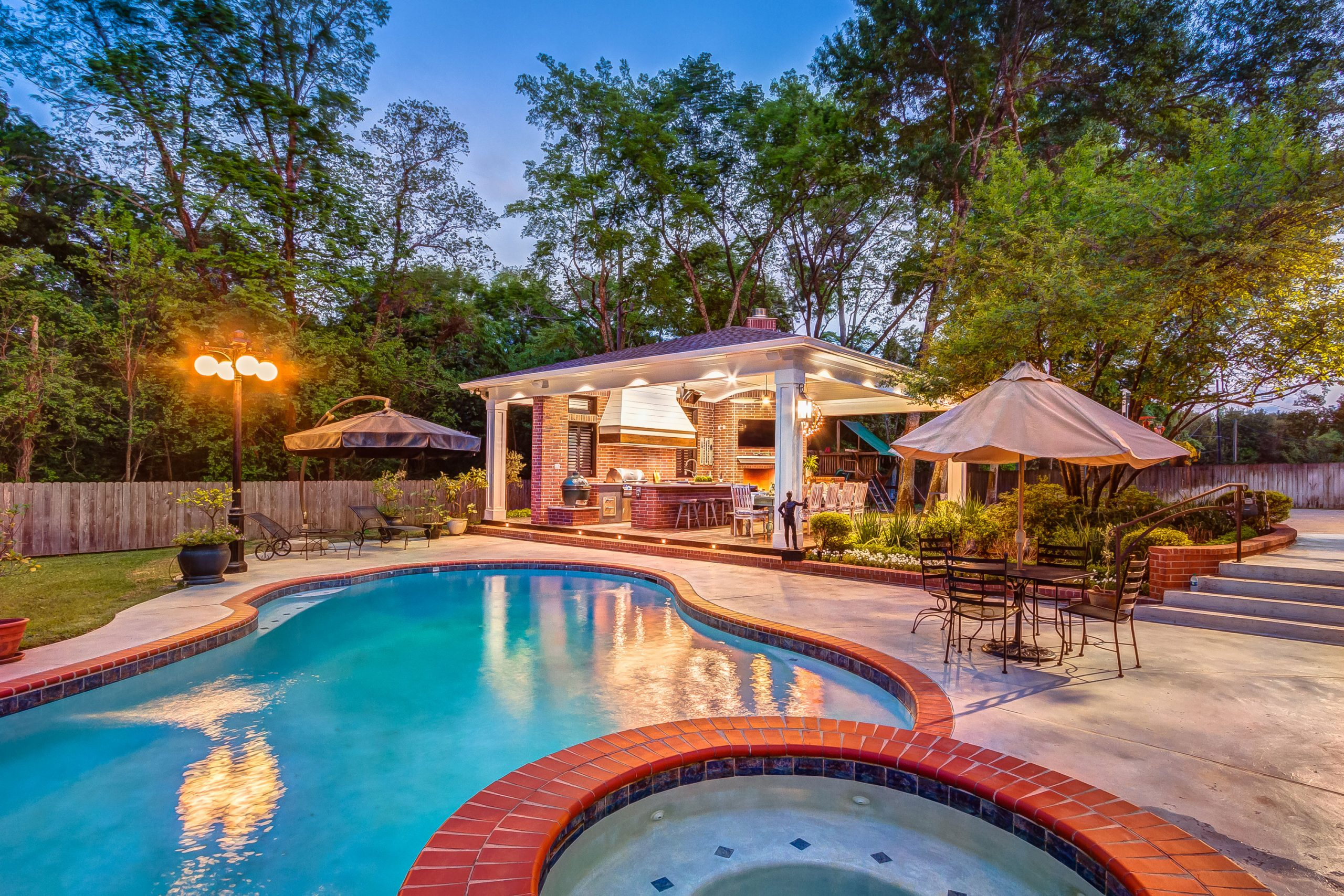 How to Choose the Best Houston Swimming Pool Builders, Creekstone Outdoor Living, Houston