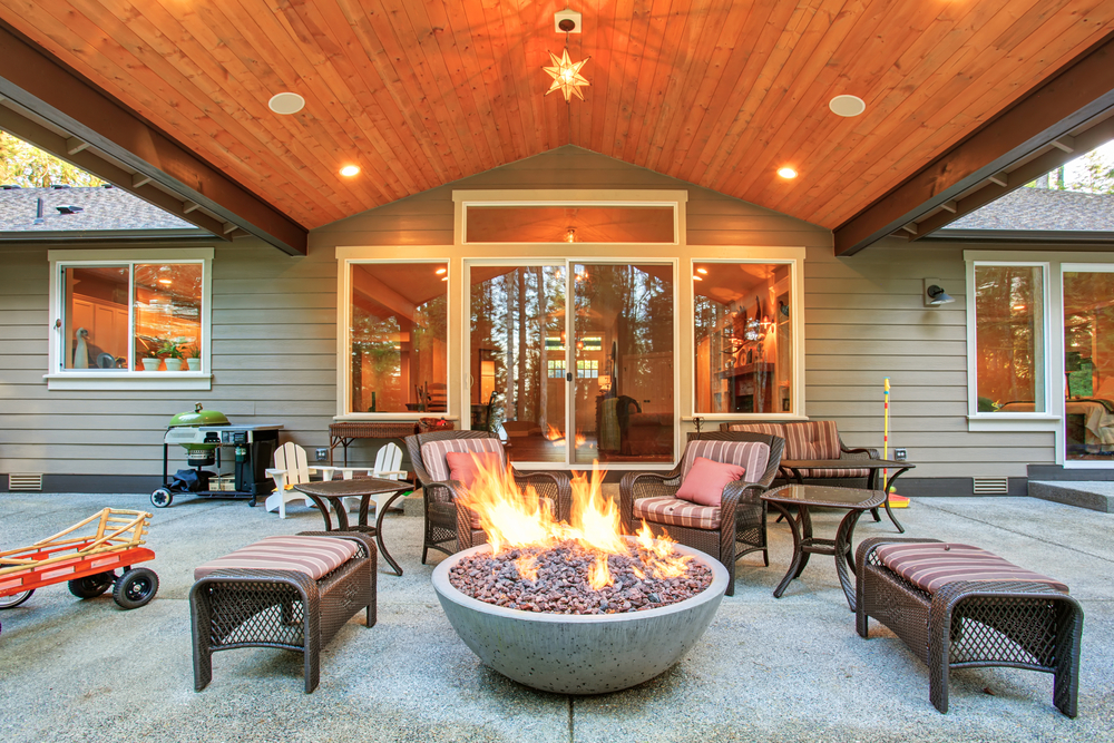 Using Your Outdoor Fire Pit Safely Near Your Houston Pool