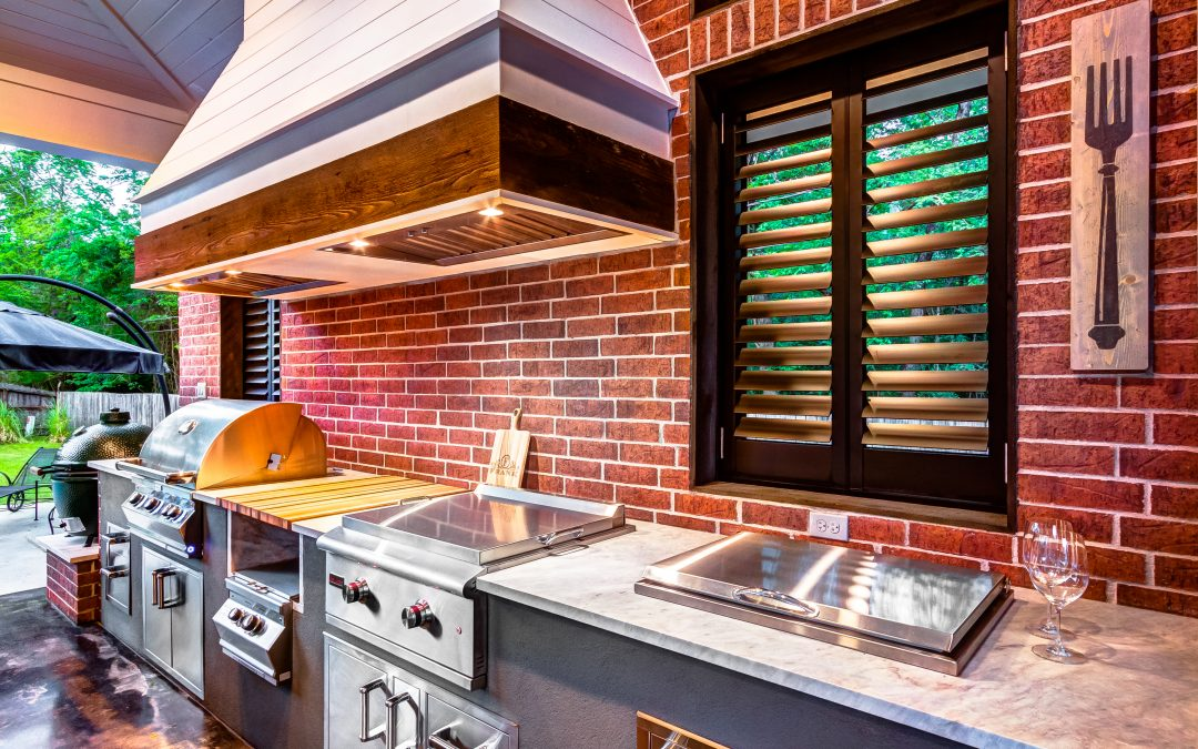 Complete Your Outdoor Kitchen with These 6 Appliances